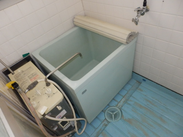 第2上中荘 205号室の風呂
