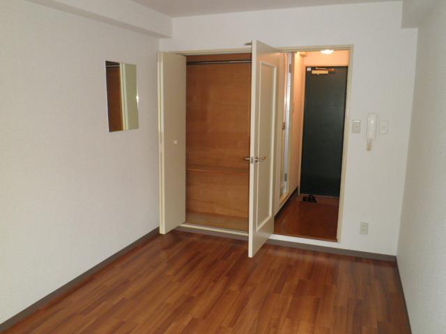 かんまつ728ハイツ 321号室のベッドルーム