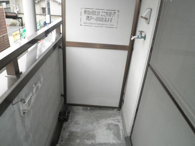 かんまつ728ハイツ 321号室のバルコニー