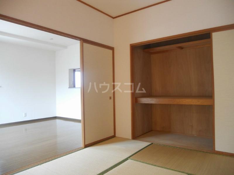 ニングル古淵 205号室の居室