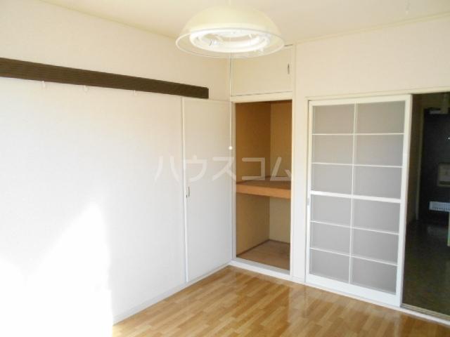クイーンズガーデン 202号室の収納