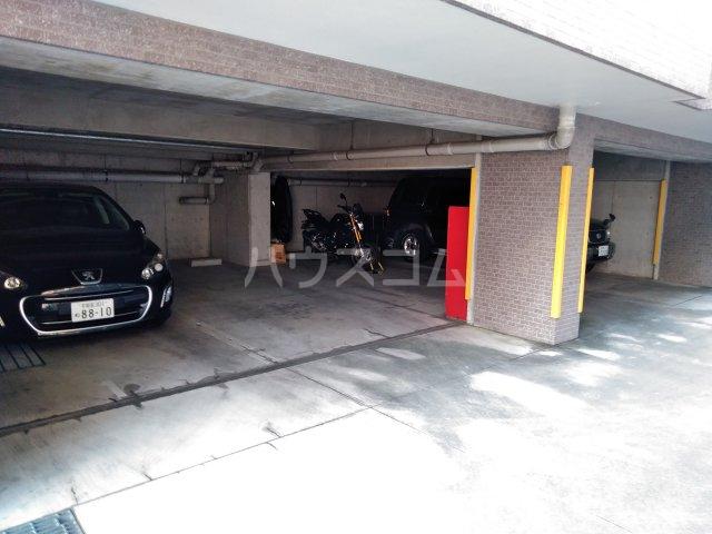 グローバル錦Ⅱ 305号室の駐車場