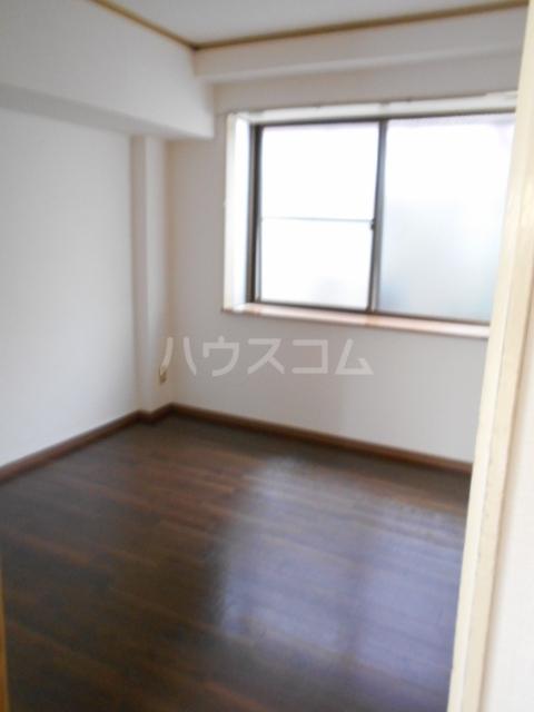グリーンメイト・ハシバ 206号室の居室