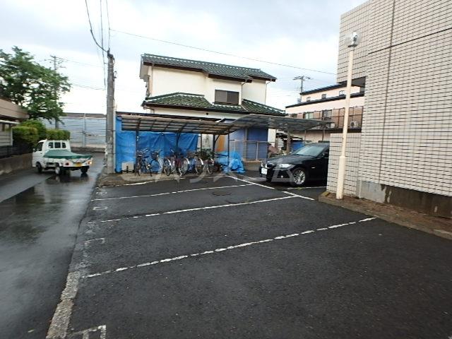 エスポワール 104号室の駐車場