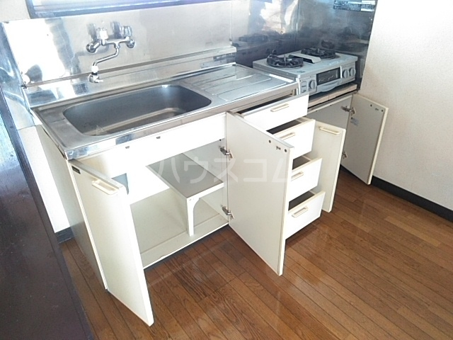 クローバーハイツ 202号室のキッチン
