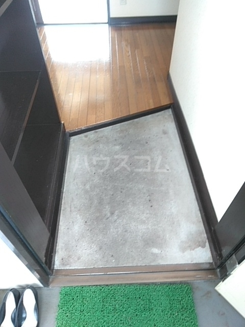 クローバーハイツ 202号室の玄関