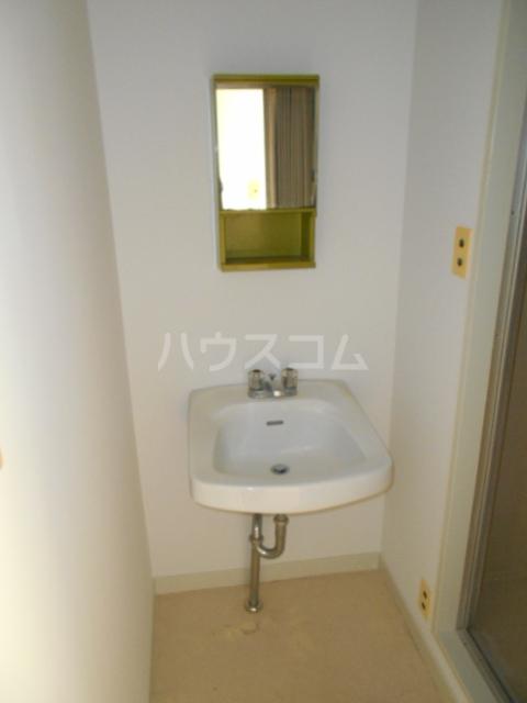 佐々木ビル 503号室の洗面所