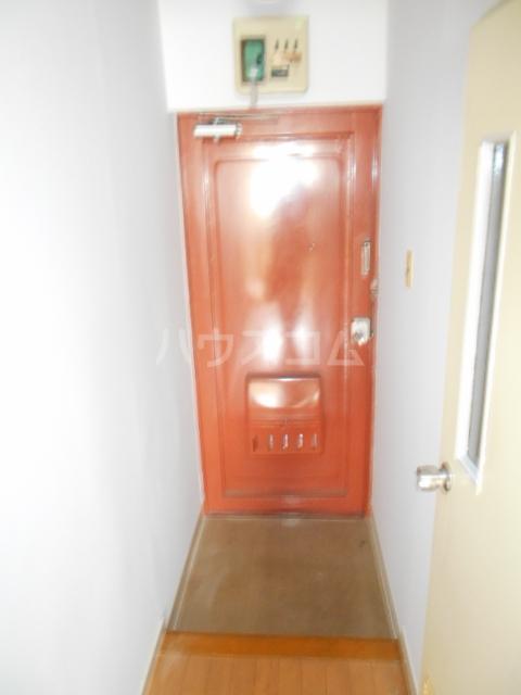 佐々木ビル 503号室の玄関