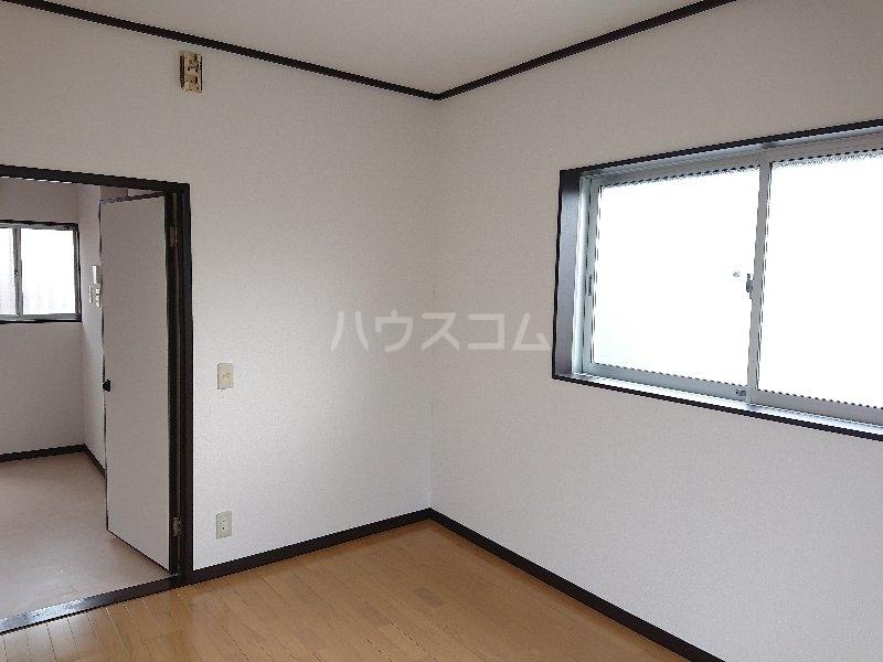 コンフォート M 201号室のベッドルーム
