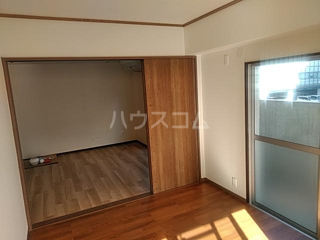 コーポ小尾 201号室の収納