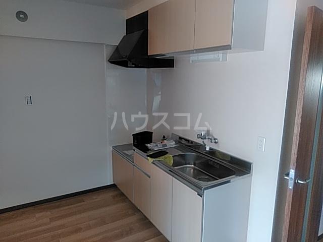 コーポ小尾 201号室のキッチン