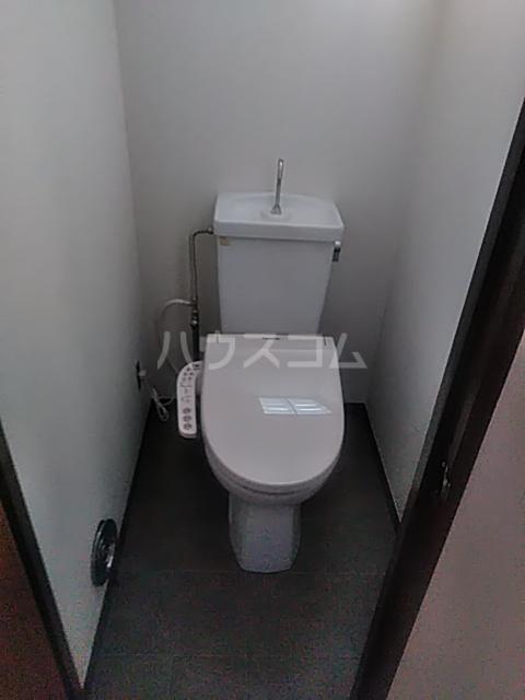 コーポ小尾 201号室のトイレ