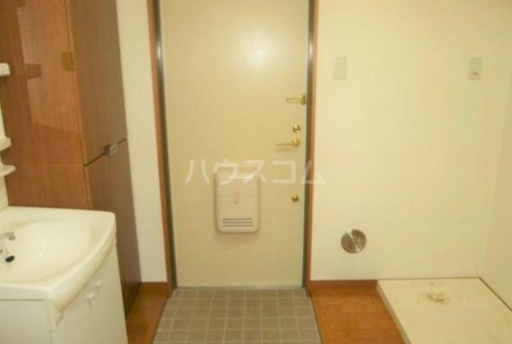 ノースサイト 202号室の玄関