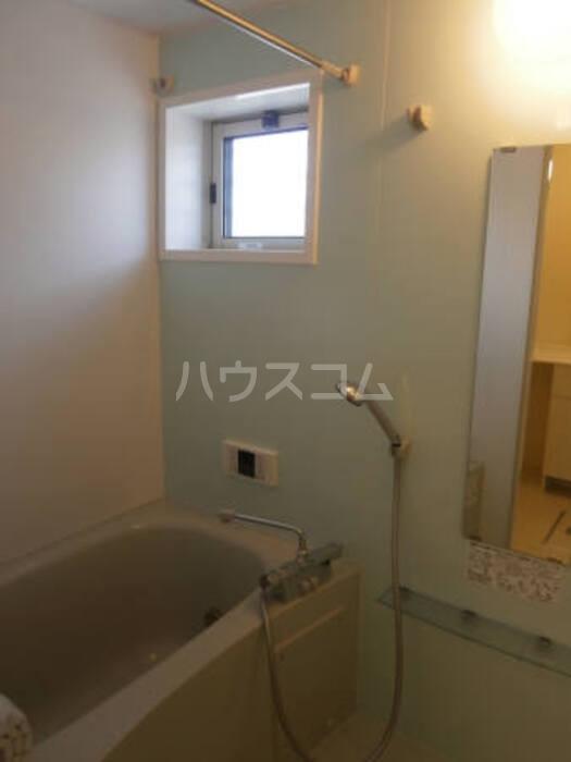 グランドゥ 迦希 105号室の風呂