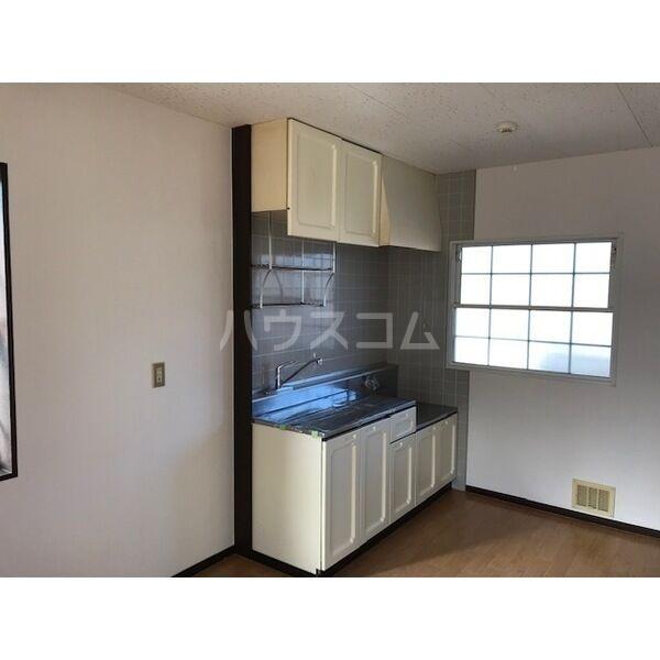 サマータウン 201号室のキッチン