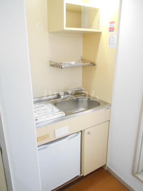 ルーブル豊町 104号室のキッチン