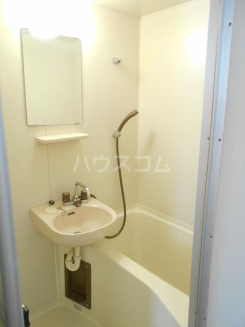 ルーブル豊町 104号室の風呂