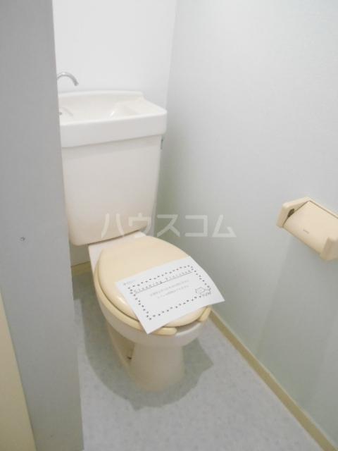 ルーブル豊町 104号室のトイレ