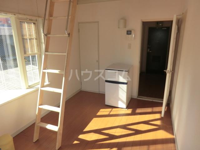 パレス小幡 202号室のリビング