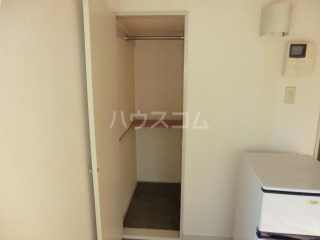 パレス小幡 202号室の収納