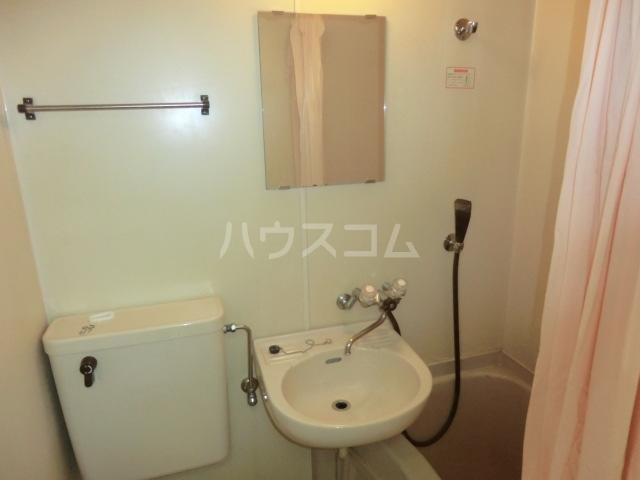 パレス小幡 202号室の洗面所