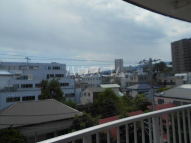 城山・松本マンション 402号室の景色