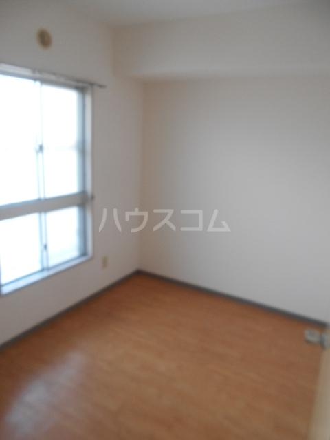 城山・松本マンション 402号室の居室