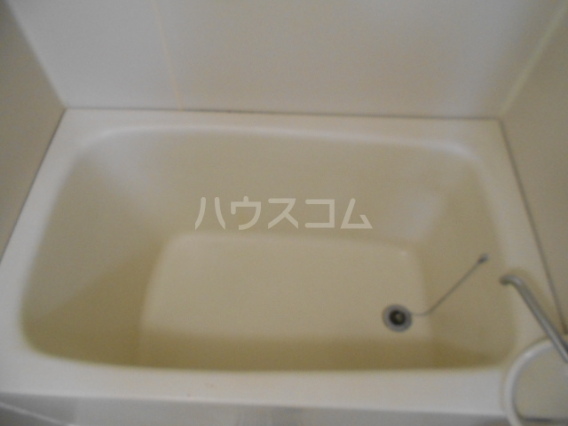 城山・松本マンション 402号室の風呂