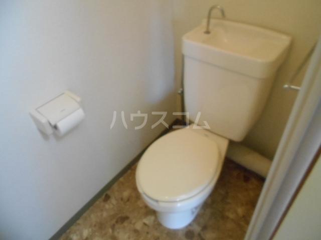 城山・松本マンション 402号室のトイレ