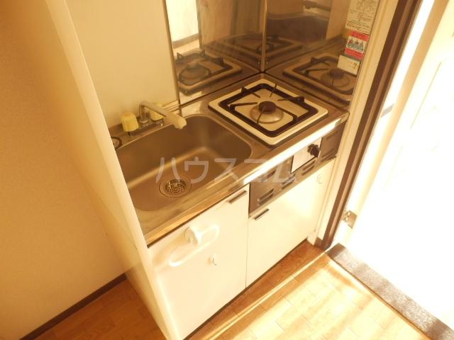 ダイサンビル107 403号室のキッチン