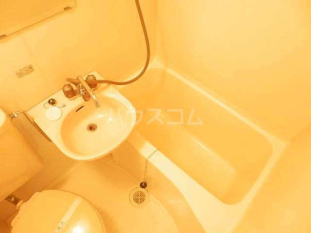 ダイサンビル107 403号室の風呂