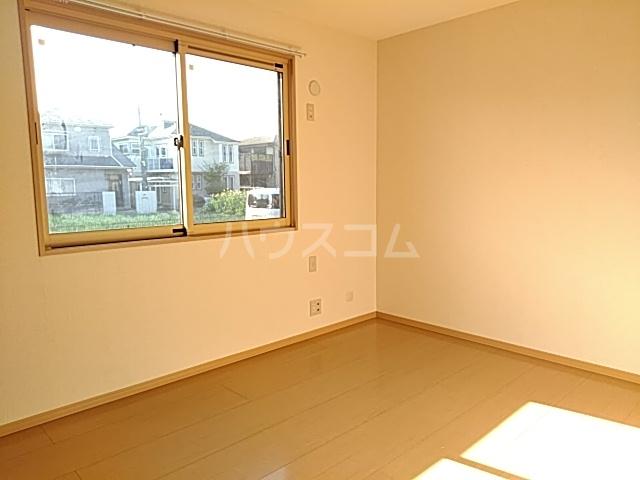 アタラクシアB 101号室の居室