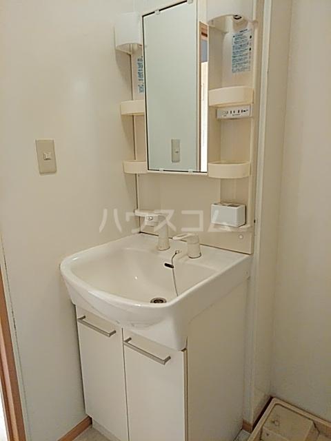 アタラクシアB 101号室の洗面所