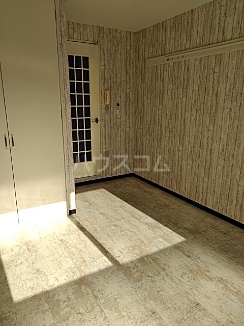 リエス春日部 303号室の居室