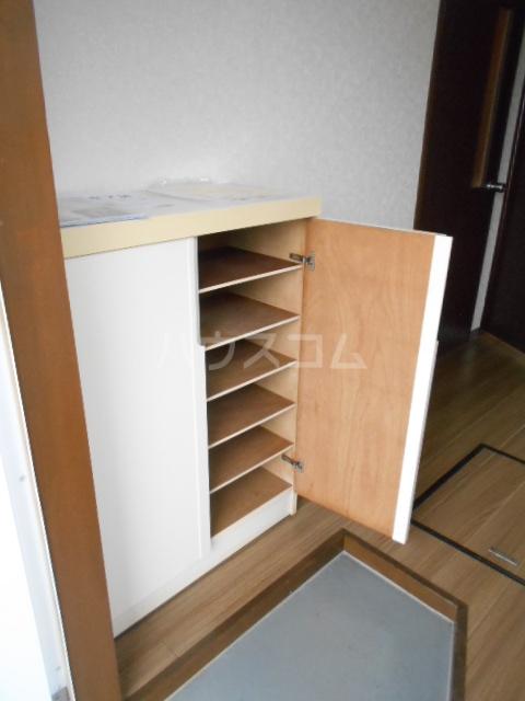 ハイツラフォーレⅡ 201号室の収納