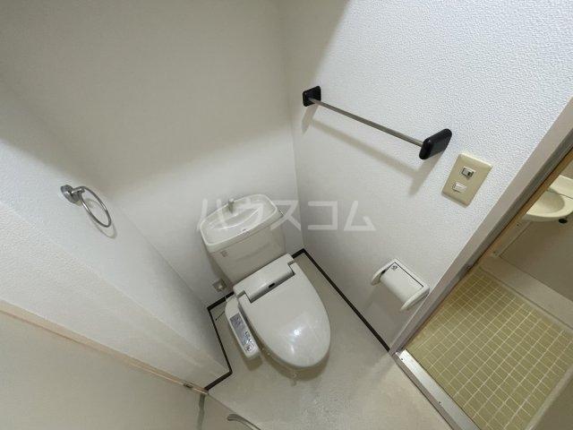 アクアコート春日部 605号室のトイレ