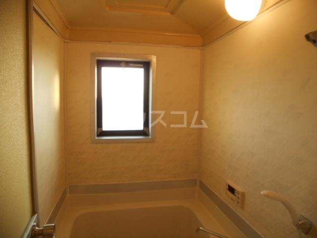 宮ノ脇マンション 302号室のリビング