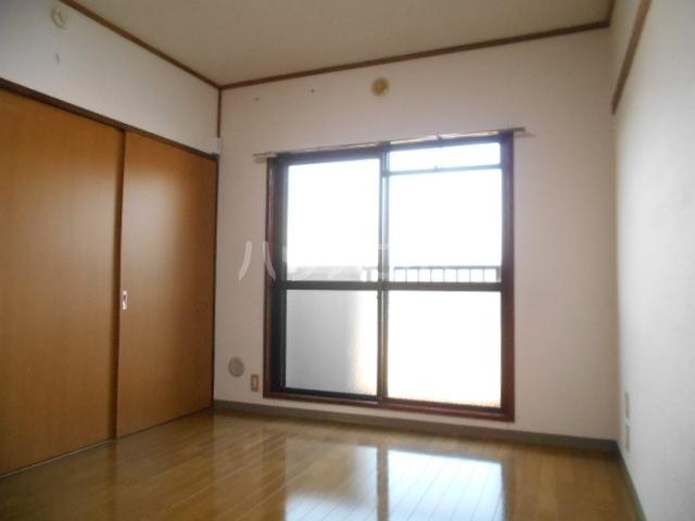 宮ノ脇マンション 302号室の居室