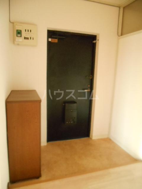 宮ノ脇マンション 302号室の玄関