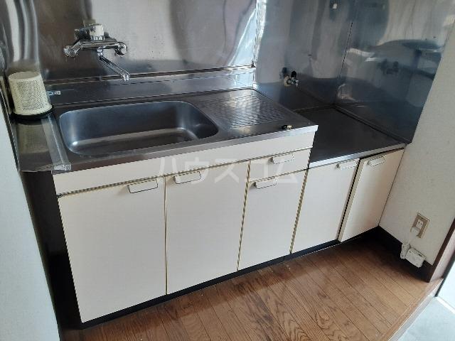 アーバンステイツ 202号室のキッチン