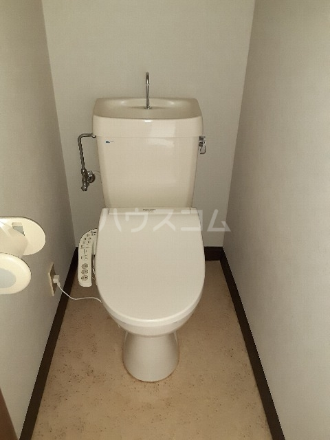 アーバンステイツ 202号室の洗面所