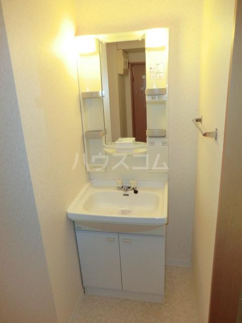 トヨカワマンション 404号室の洗面所