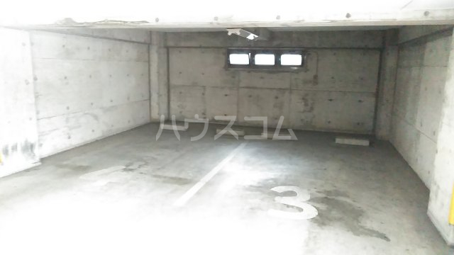 アーバンプラザ相模原 401号室の駐車場