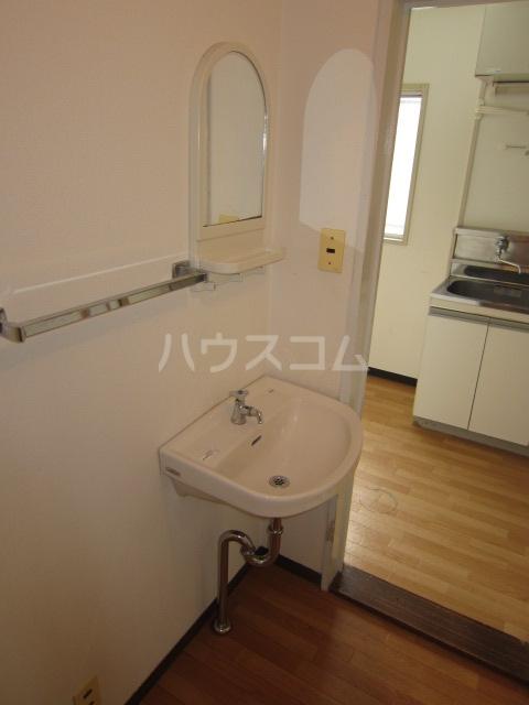 コーポ井垣 201号室の洗面所