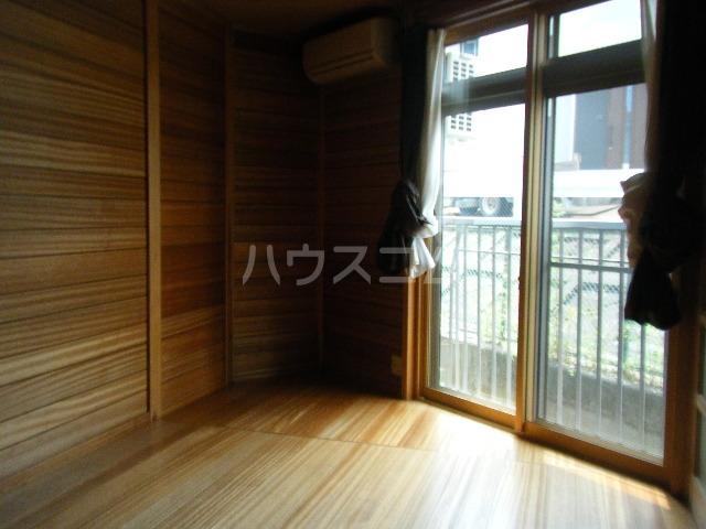 コーポ光栄 102号室の居室