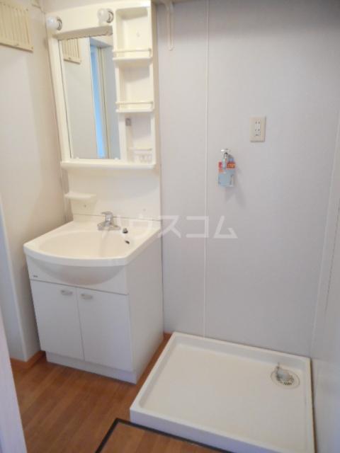 さくらハイツ A 101号室の洗面所