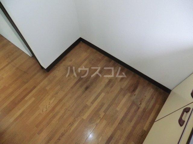 栄荘 203号室の収納