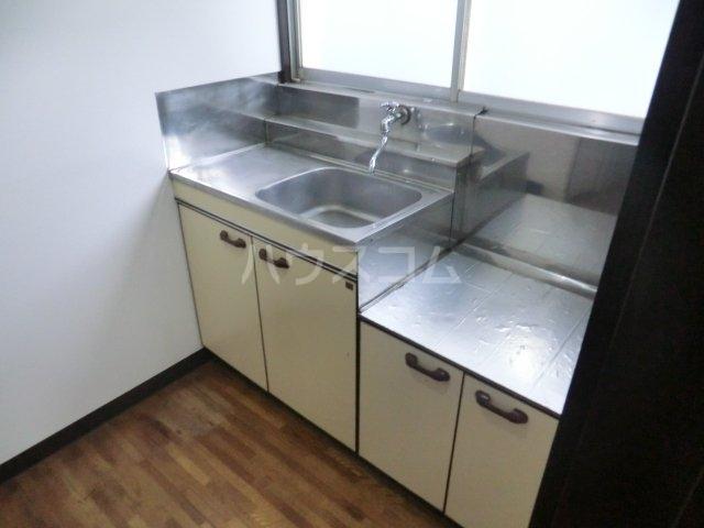 栄荘 203号室のキッチン