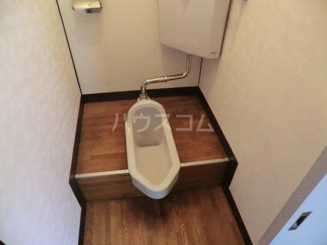 栄荘 203号室のトイレ