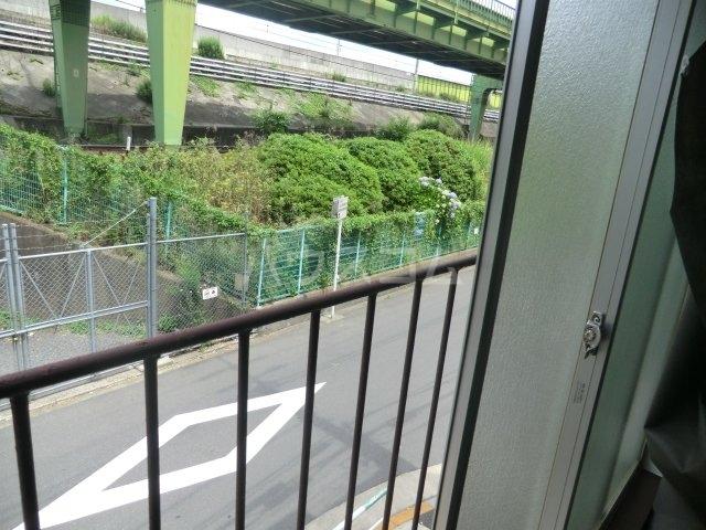 栄荘 203号室のバルコニー